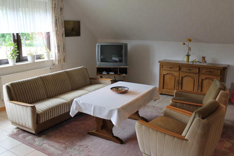 Wohnzimmer emsland quartier ferienwohnung - Sitzgruppe wohnzimmer ...